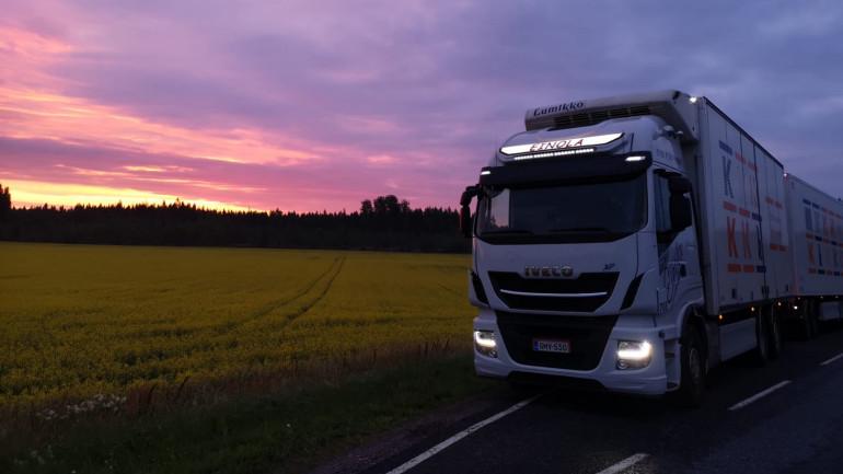 Kuljetus Einola Ajoneuvoyhdistelmä